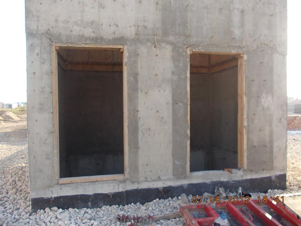 стена лифтовой шахты