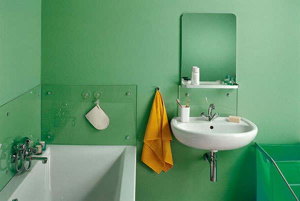покраска стен ванной комнаты и кухни