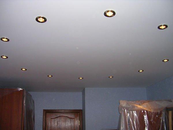 матовый потолок (преимущества)